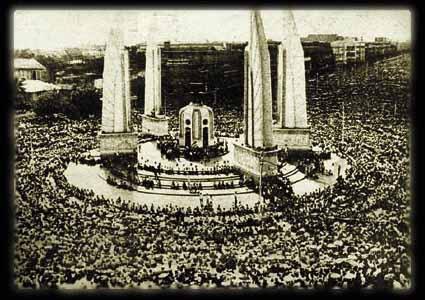 อนุเสาวรีย์ประชาธิปไตย พ.ศ.2475
